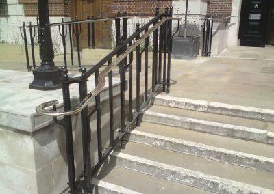 innertemple-handrail